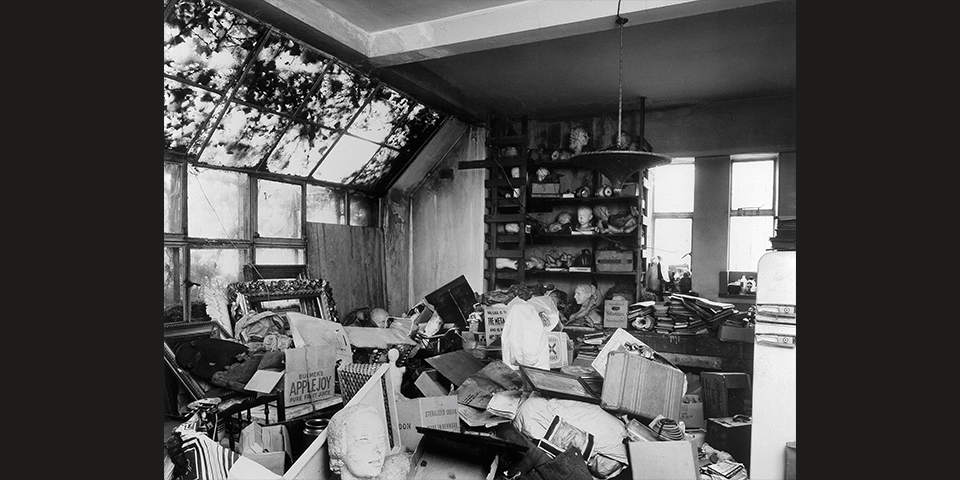 The plaster studio after Gordine's death, 1992. © Historic England